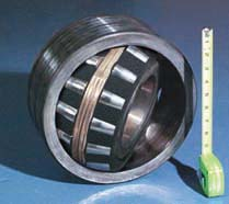 Spherical roller bearing packing